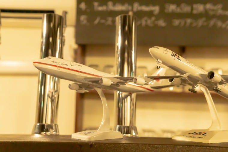 写真:モヤモヤベースにある飛行機の模型