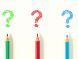 写真:3本の色鉛筆