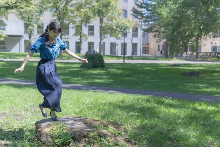 写真:飛んでいるモデルさん
