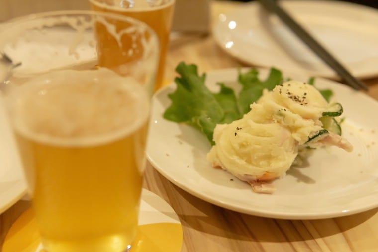 写真:ビアバー・ひららのポテトサラダ