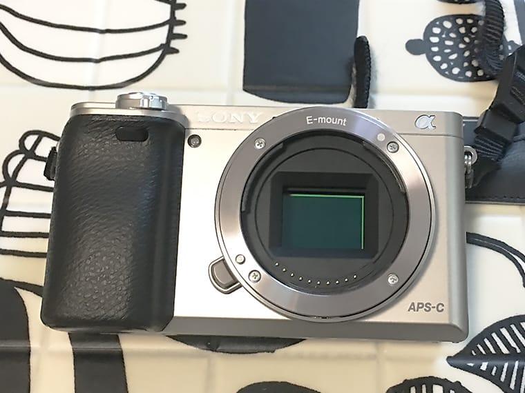 写真:sonyα6000のイメージセンサー