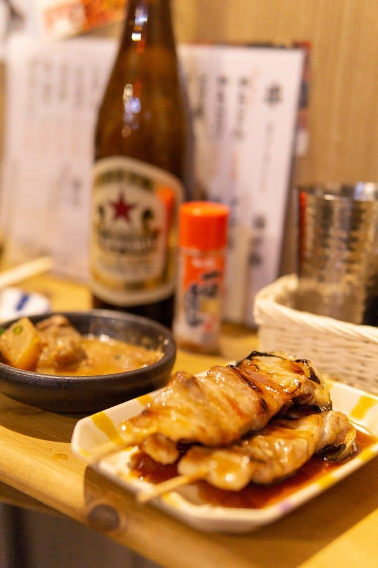 写真:豚串ともつ煮