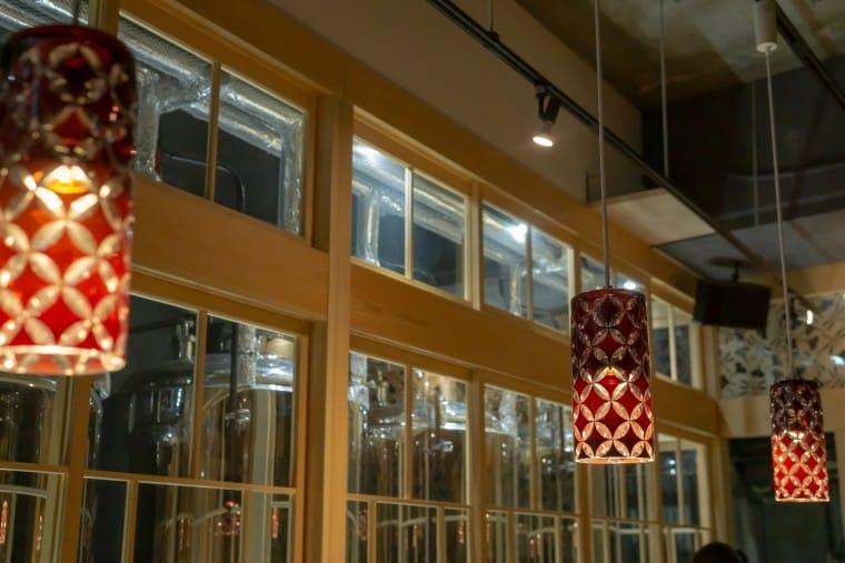 写真:東海道BEER川崎宿工場の内装