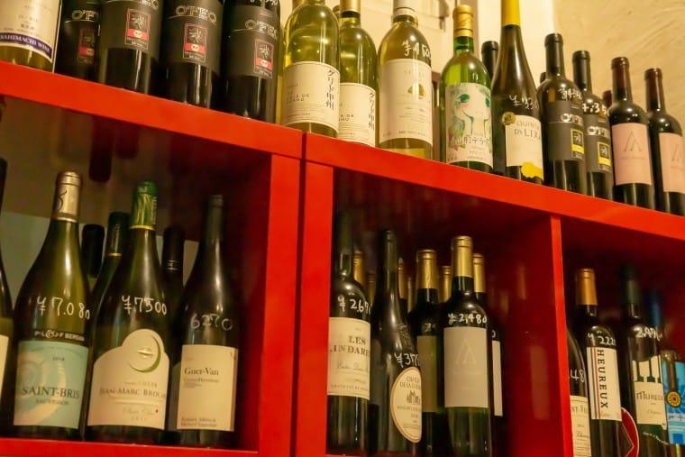 写真:羽田バルのワイン