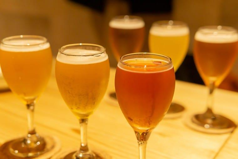 写真:月と太陽Brewingのクラフトビール飲み比べセット