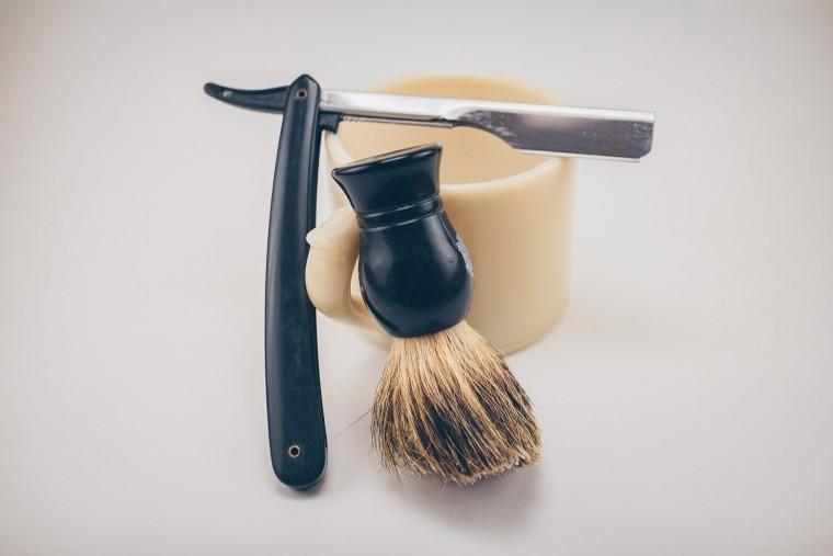 写真:ヒゲを剃る道具