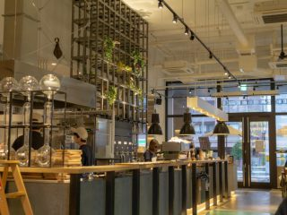 写真:モリヒコ ステイアンドコーヒーの店内