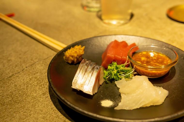 写真:刺身3種発酵薬味