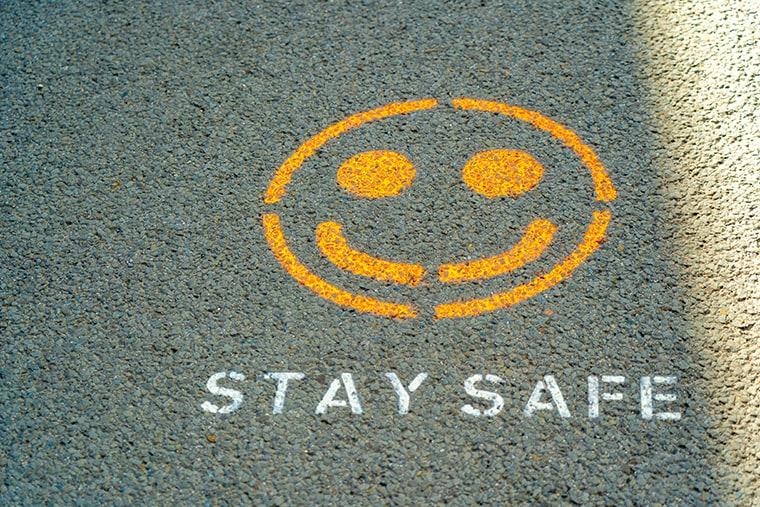 写真:stay safe